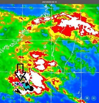 鄭明典:紫色強對流出現了 專家曝3波鋒面降雨日