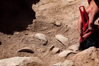 被貧窮限制想像!西藏出土千年黃金挖耳勺 網驚:太奢侈