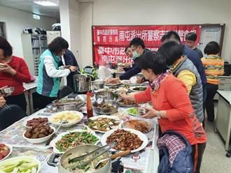 志工手做妈妈味菜肴 员警大讚好幸福