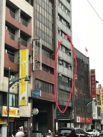 中市驚傳3歲男童遭折疊桌夾死 父母:僅20分不見蹤影竟生意外