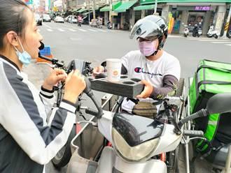 獨》彰化輪椅騎士外送員爆紅 車禍癱瘓不放棄人生「肯用我我就做」