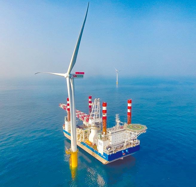 麗威風場因踩到飛安紅線,確定被經濟部能源局發出解約通知。圖為離岸風電示範機組。(能源局提供)