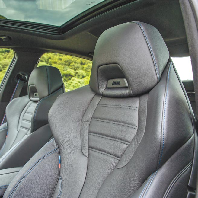 M款跑車前座具肩部調整。(陳大任攝)