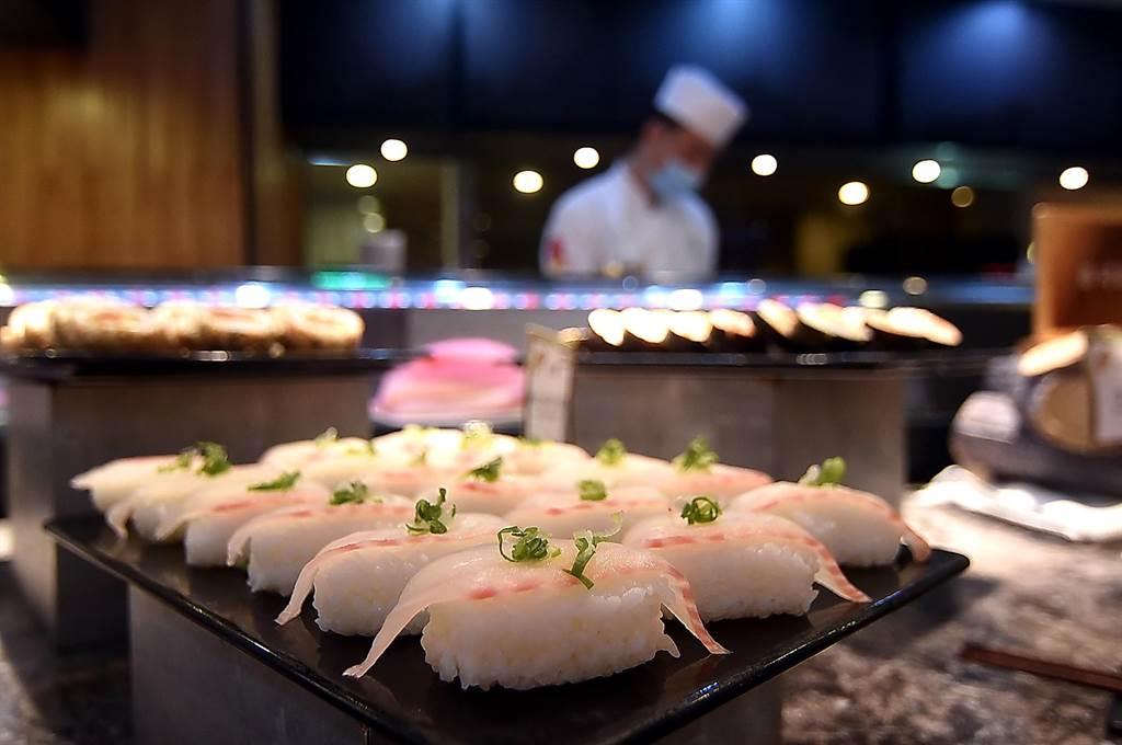 礁溪長榮鳳凰酒店本就有〈桂冠自助餐廳〉,提供早午晚餐與下午茶。(圖/姚舜)