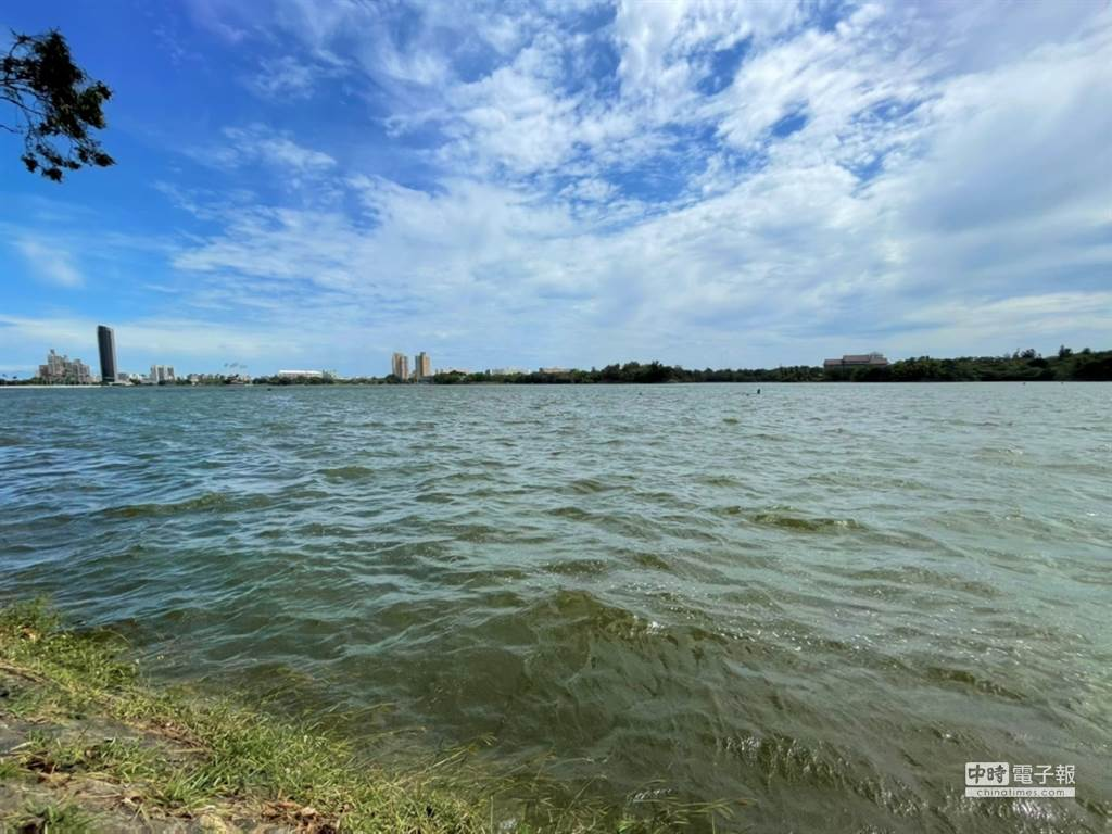 圖為高雄澄清湖水庫今日的蓄水量。(圖:高雄市政府水利局提供)
