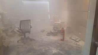 電池自燃引虛驚 電動自行車公司竄濃煙急疏散