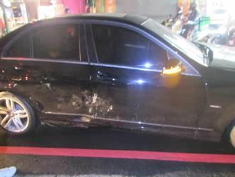 男高中生騎機車攔腰撞賓士轎車 倒地輕傷送醫