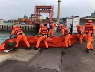 假戲真做 金門演練大船漏油汙染海域