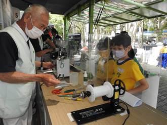 慈濟行動環保教育車開進竹山 節能減碳體驗