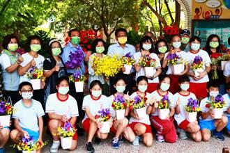 台灣花卉轉型內銷屏縣府很給力 走進校園深根培養花藝美學助買氣