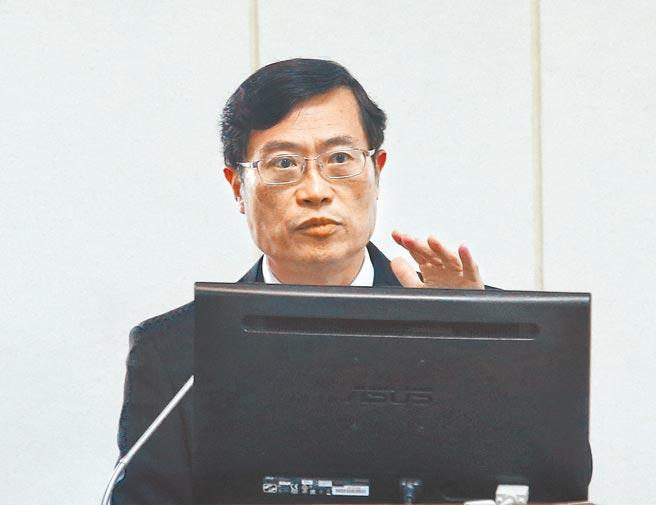 經濟部次長陳正祺3日在立法院經濟委員會答詢時指出,目前在印度的台灣人約150人,將評估是否要有專機撤僑。(陳信翰攝)