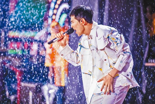 蕭敬騰日前在廣州長隆水上樂園電音節開唱。(喜鵲娛樂提供)
