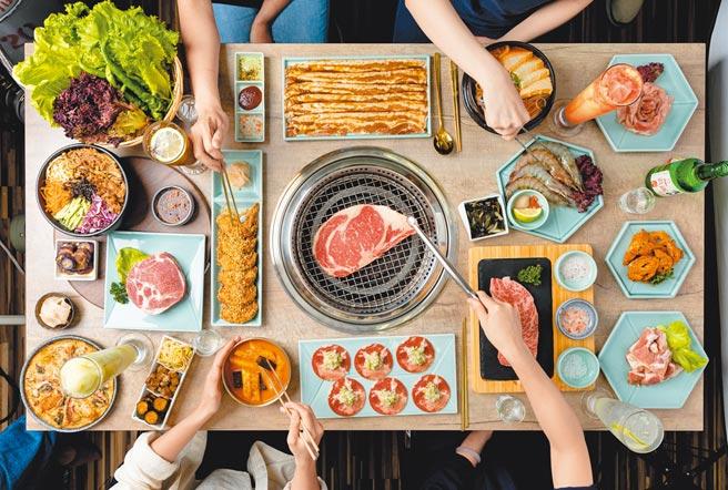 到「姜滿堂」慶祝母親節,消費滿2000元送出1張220元料理兌換券。(豆府餐飲集團提供)