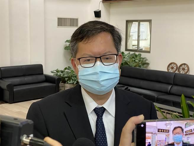 桃園市長鄭文燦說,諾富特採「分層使用」是符合當時防疫的規定,但他認為未來機組員防疫旅館都必須要獨棟或單一旅館。(蔡依珍攝)