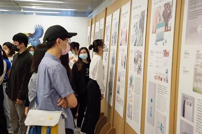 環保署舉辦的環境關懷設計競賽,即日起在國資圖展出至29日。(國資圖提供/陳淑芬台中傳真)