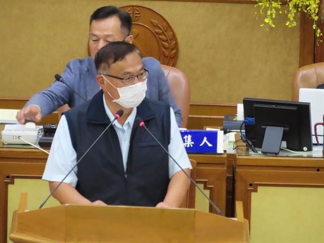警察士氣低落 新北警長黃宗仁要黑道「好膽麥走」。(葉德正攝)