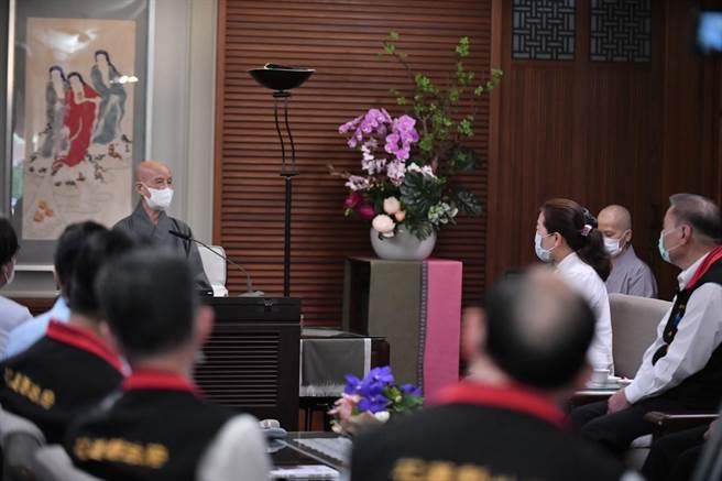 慈濟今天55週年,花蓮縣長徐榛蔚拜會證嚴法師會。(花蓮縣府提供/王志偉花蓮傳真)