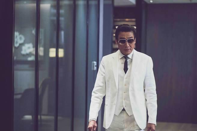 影帝梁家輝因為疫情答應演出,盼香港電影圈繼續同心合力。(龍祥電影提供)