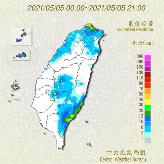 今天(5日)受鋒面影響,中部以北及東半部地區普遍都有出現降雨,北海岸、山區及台東地區有局部大雨發生。(氣象局提供)