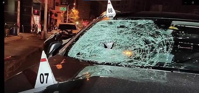 方姓美髮師駕駛賓士車撞死名嘴黃暐瀚的7旬母親,肇事後竟到附近超商買啤酒喝。(資料照片/陳淑芬台中傳真)