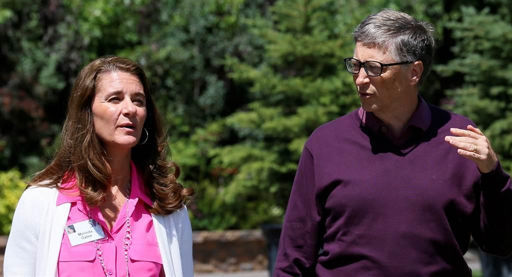 比爾蓋茲與梅琳達2014年7月10日在愛達荷州太陽谷(Sun Valley)出席媒體峰會的神情。(路透)