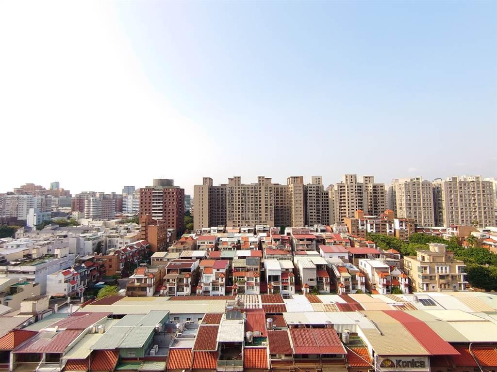 台中市北區「進化北路」去年交易件數達131件,平均單價約17.6萬元,是台中熱門交易路段。(圖/永慶房仲網提供)