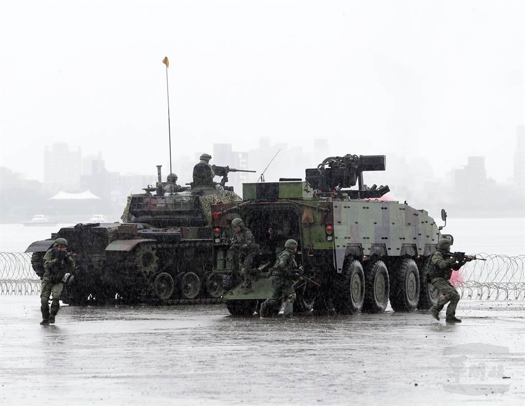 美國的最佳政策是維持對台灣的軍事支持,同時維持「一個中國」框架,這個框架已經在地球上最危險的地區維持了40多年的和平。圖為台灣漢光演習。(圖/軍聞社提供)