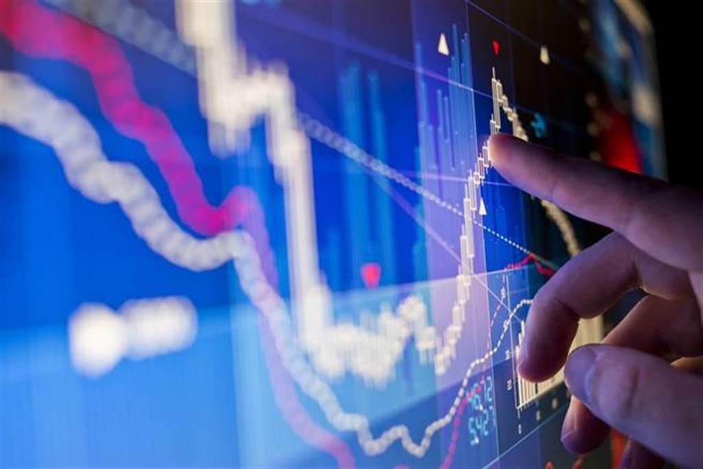 面板族群近期暴跌,分析師建議,手上有股票的投資人先做減碼動作。(示意圖/達志影像/shutterstock)