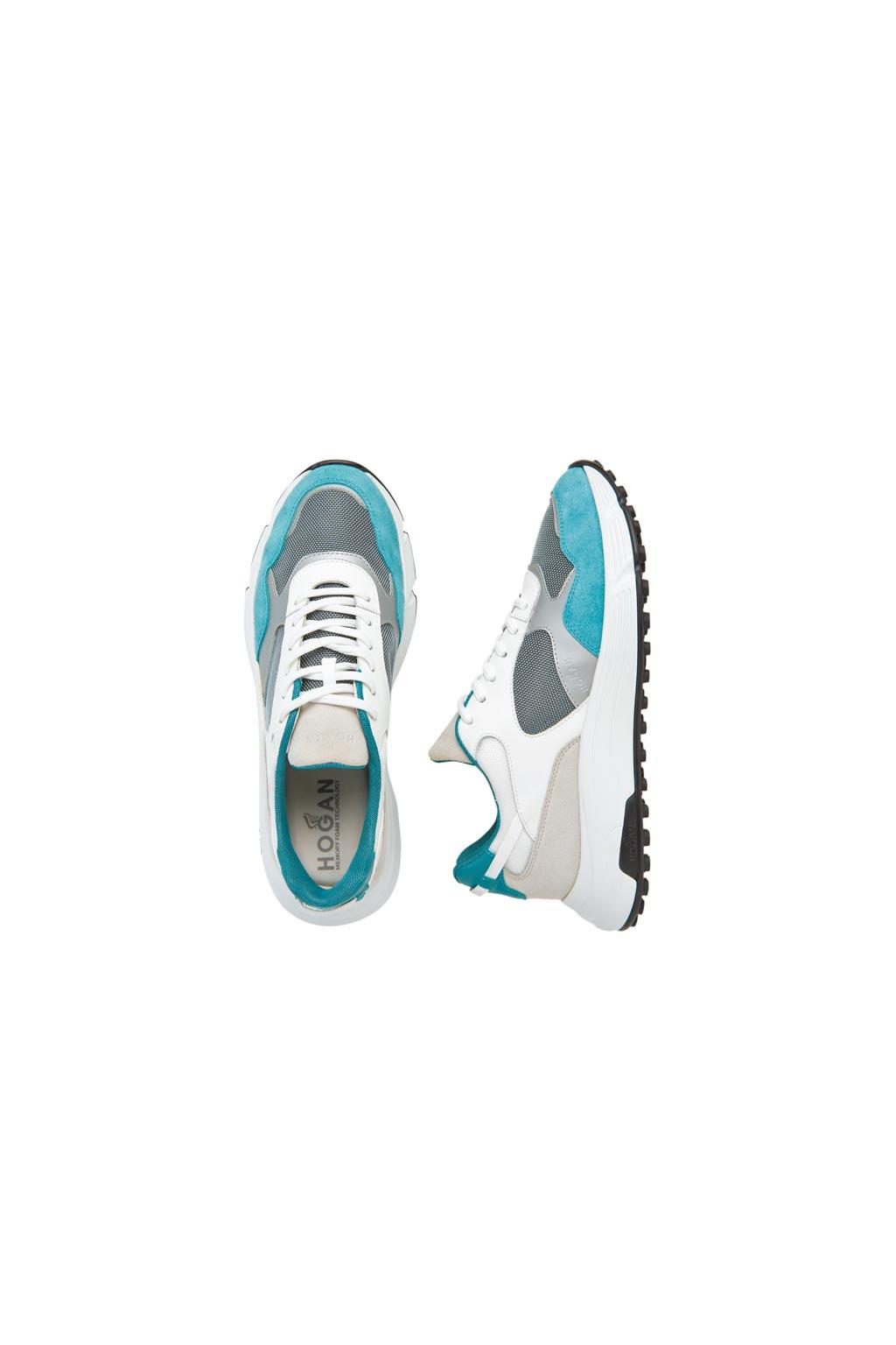 HOGAN Hyperlight淺藍色麂皮休閒鞋,1萬8900元。(HOGAN提供)