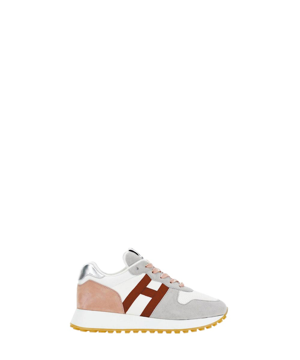 HOGAN H383淺灰玫瑰粉山羊皮休閒鞋,1萬6000元。(HOGAN提供)