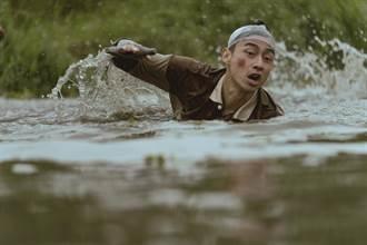 程偉豪新作《池塘怪談》腦洞大開 林鶴軒包辦跳池塘、撞車苦力活