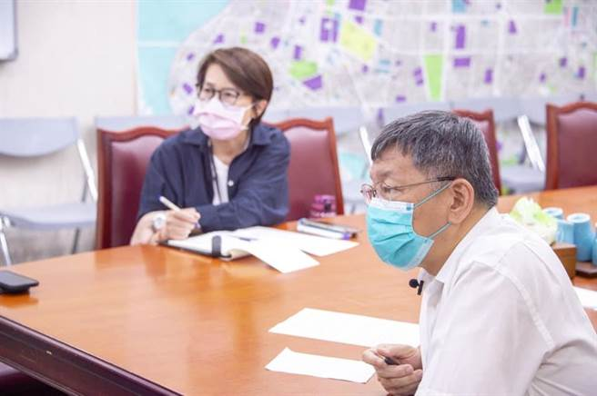 黃珊珊PO文質疑疫情指揮中心,提供給地方政府的資料並不完整。(翻攝黃珊珊臉書)