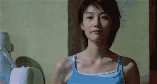 陳文媛的外型亮眼,大二就踏入演藝圈。(圖/翻攝自微博)