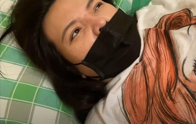 小甜甜水腎加上宮縮,腹部相當疼痛。(圖/YT@甜甜媽我當Mother)
