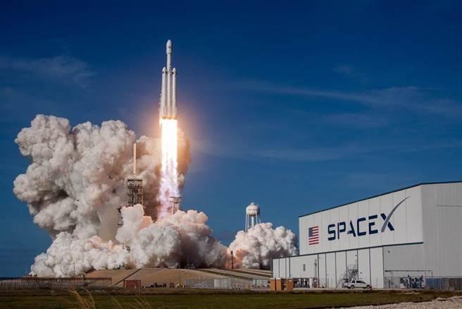 SpaceX一掃前恥 火箭第5度測試成功落地