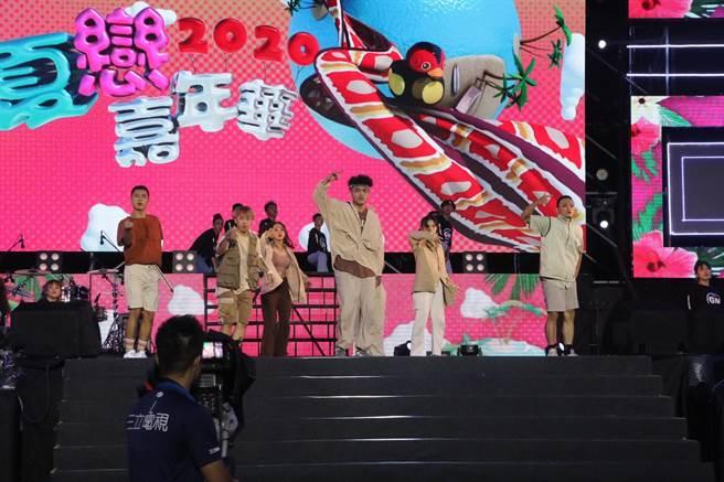 花蓮夏戀嘉年華是全台夏天熱年大型演唱會,縣府舉辦徵選閃亮之星團隊,讓表演團體能站上舞台,舞出自信。(花蓮縣府提供/王志偉花蓮傳真)