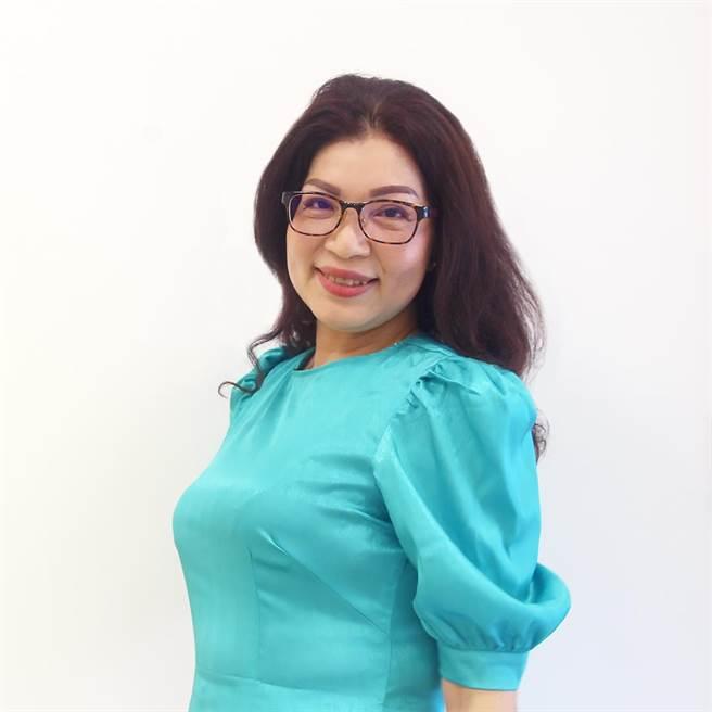47歲越南媽媽武氏芳恆積極擔任翻譯員並成立關懷協會,幫助新住民,被地方譽為「最上進的媽媽!」。(武氏芳恆提供/戴上容新北傳真)