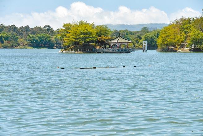 高雄市澄清湖5日蓄水達93%、247萬噸,讓澄清湖重現湖光美景。(林雅惠攝)