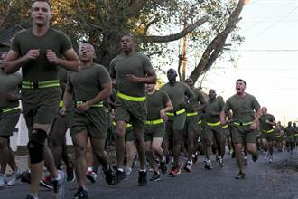 降低受傷率 美陸戰隊擬調整新訓中心訓練模式