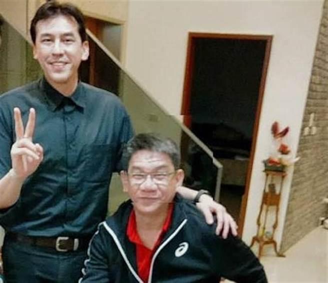 台中六分局副分局長蔡期望與黃暐瀚是高中同窗死黨。(翻攝蔡期望臉書)