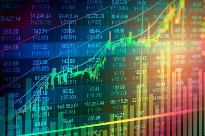 根據統計,當沖降稅措施上路後,股市成交量明顯增加。(示意圖/shutterstock提供)