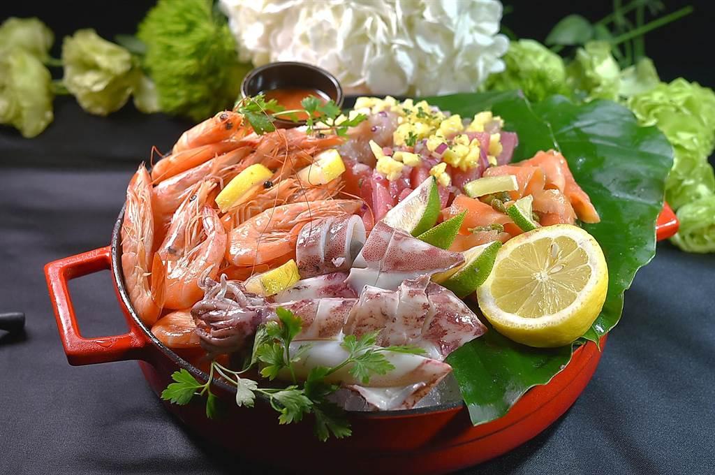 改成Full Buffet後,松山意舍酒店〈Que〉餐廳假日晚餐亦有各式海鮮可吃到飽。(圖/姚舜)