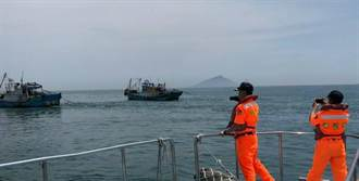魩鱙魚禁漁期將至漁民走險  海巡署護海洋資源嚴格執法
