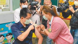 單日新高 6461人打疫苗 2嚴重不良事件