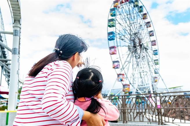 據台灣世界展望會統計資料指出,以台北市、新北市為例,平均每個月就有15至20名失依孩子等待寄養家庭的幫助照顧。(展望會提供/林良齊台北傳真)