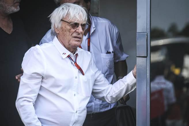 埃克斯頓(Bernie Ecclestone)與前妻絲拉維卡(SlavicaRadić)於2009年結束婚姻關係,並給予絲拉維卡12億美元的贍養費。圖為前F1賽車協會老闆埃克斯頓。(圖/達志影像)