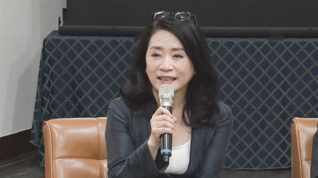 立法委員李貴敏擔任此次論壇主持人。(圖/中時新聞網攝)