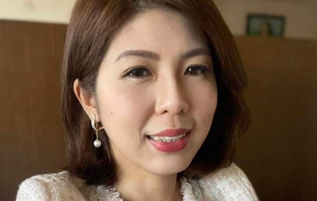 李怡貞不小心促成「三斤雞排」直播。(圖/FB@女人大律師李怡貞)