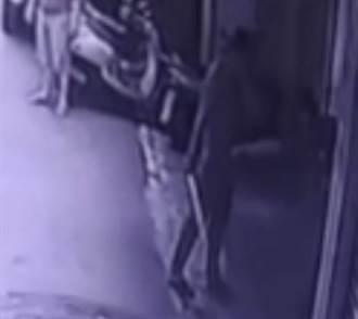 男持刀闖中和宮廟尋仇 反被毆傷送醫