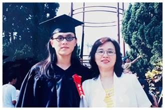 陳以信分享母親合照 意外曝光長髮造型 網驚呼:以為是姐妹